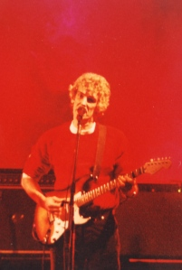 Luis Alberto Spinetta en rojo Auditorium 95 x RSA